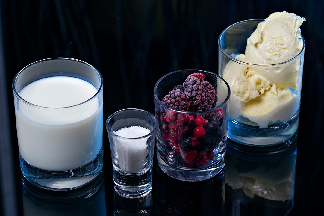 milkshake cu inghetata de vanilie si fructe de padure (2)